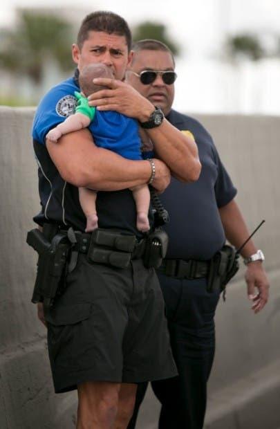 Baby-rescue_4-405x620