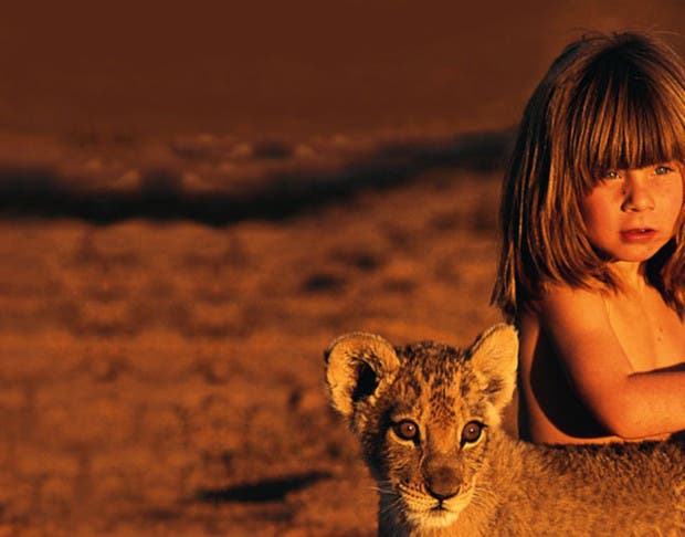 tippi-africa-little-girl-lioness-pic-photo