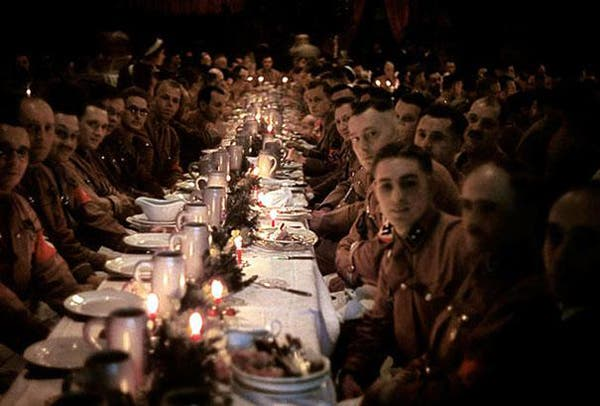 31-Hitlers-officers-and-cadets-celebrating-Christmas-1941