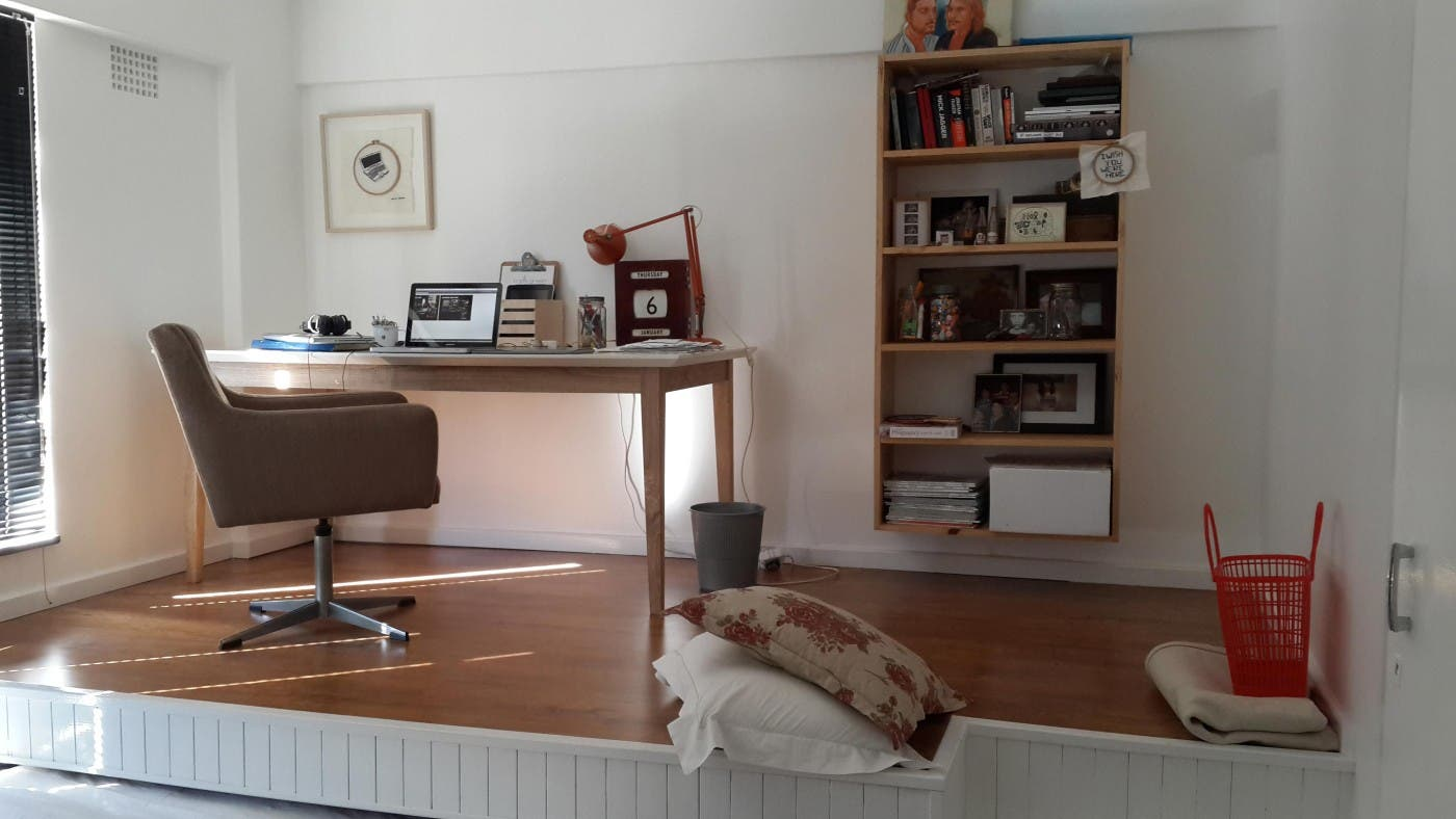 cuando no hay espacio para una cama y un escritorio esta