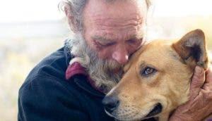 indigente-con-su-perro