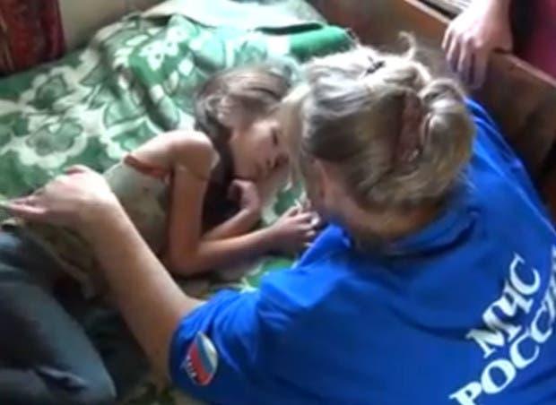 nina-de-3-anos-salvada-por-perro-siberia