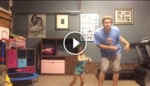 Niña-papá-baile-play