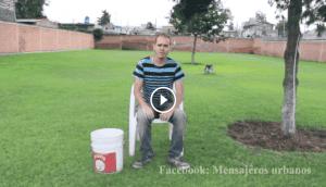 impresioante version del desafio del balde de agua