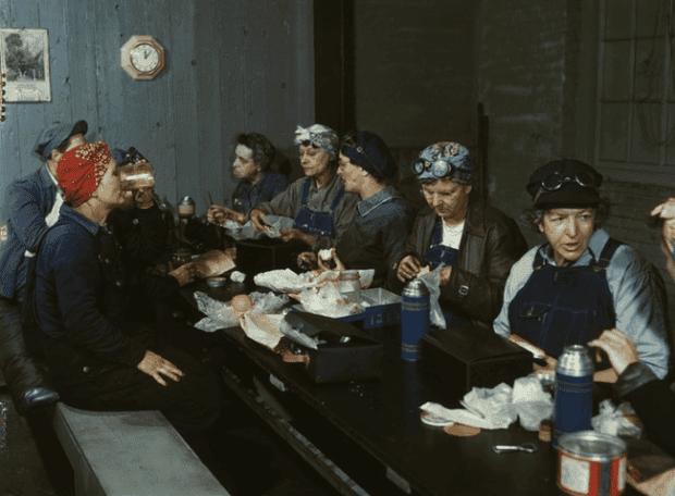 mujeres haciendo historia21