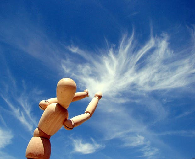 cloud-forced-perspective-optical-illusions-27