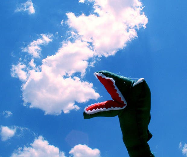 cloud-forced-perspective-optical-illusions-31