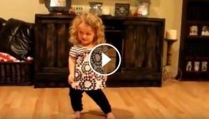 nina-cinco-anos--bailando