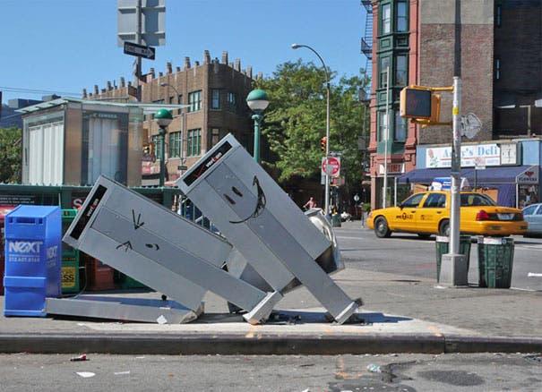 wpid-banksy-graffiti-street-art-nycphonebox.jpg
