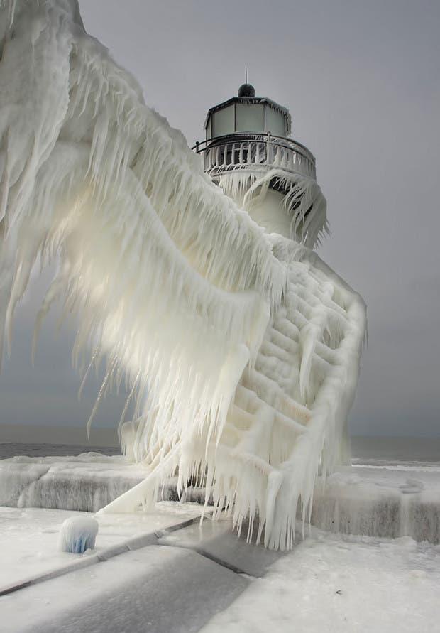 frozen-ice-art-3-2