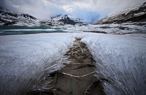 frozen-ice-art-5__880