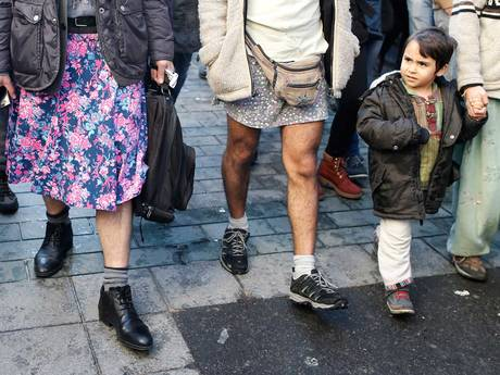 hombres usando faldas en estambul (3)