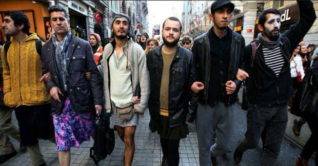 hombres usando faldas en estambul (5)