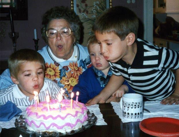 three-brothers-remake-childhood-photos-christmas-calendar-gift-8