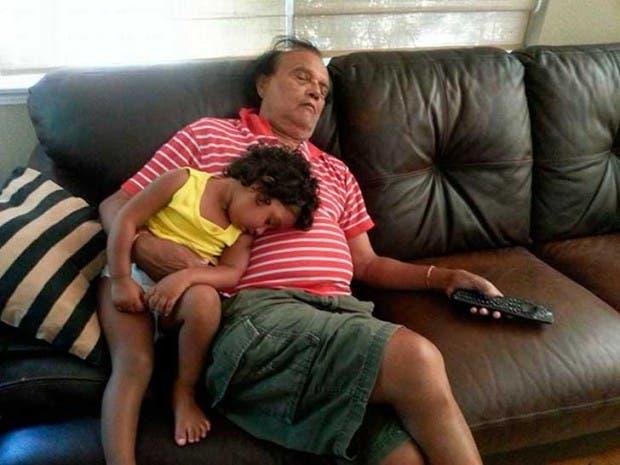 abuelo niñera