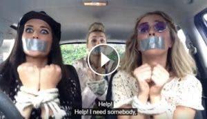 tres-chicas-cantando-coche