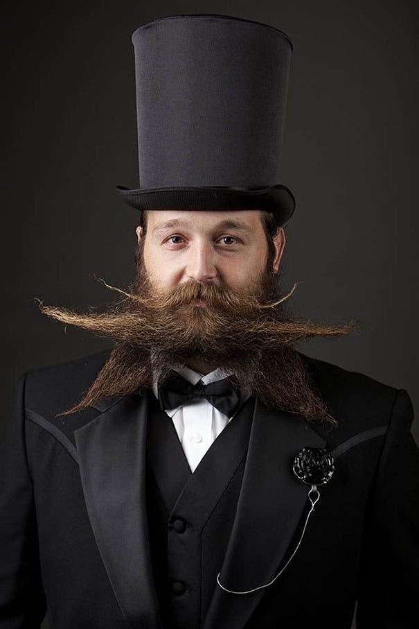 barbas y bigotes 3
