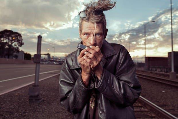 lighting-homeless-people-portraits-underexposed-aaron-draper-1