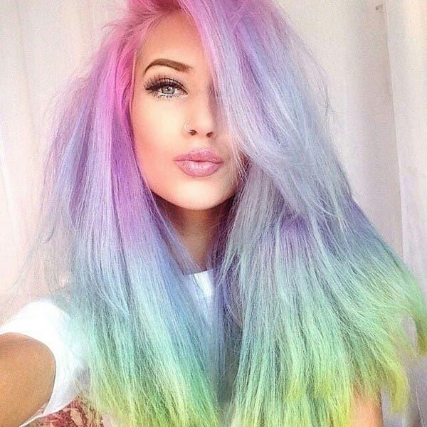 mujeres-cabellos-arco-iris-pastel-multicolor