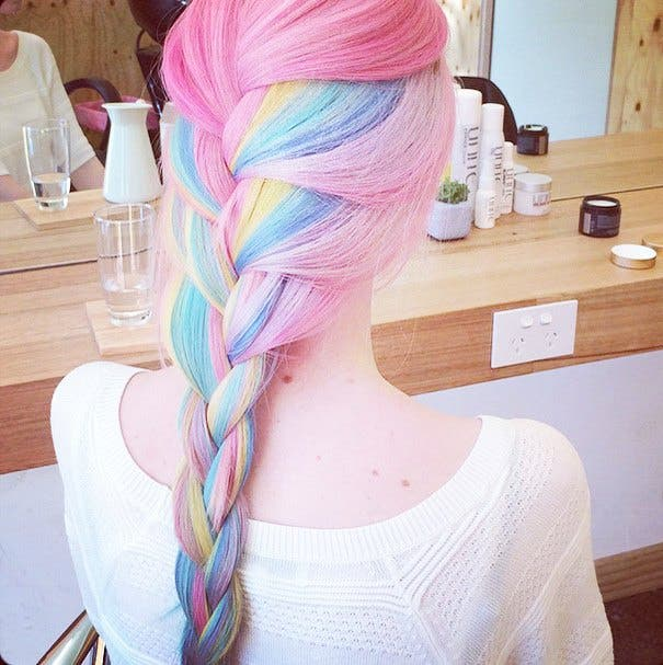 mujeres-cabellos-arco-iris-pastel-pony