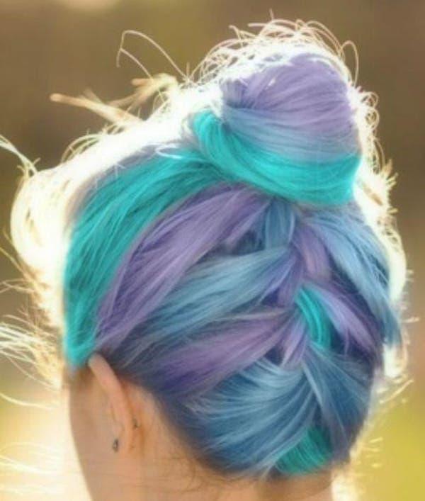 mujeres-cabellos-arco-iris-pastel-trenza-moño