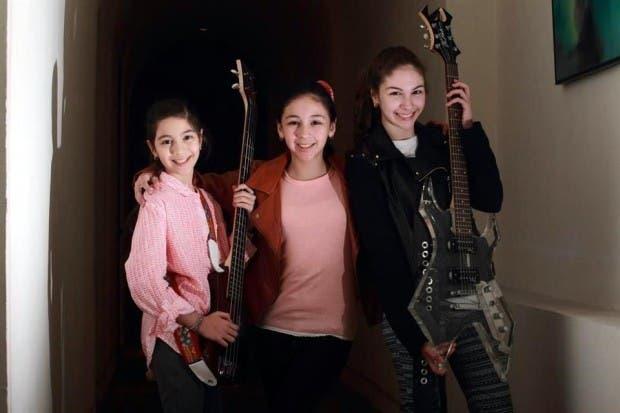 Conoce a las tres hermanas mexicanas que con sus videos virales consiguieron un contrato discográfico