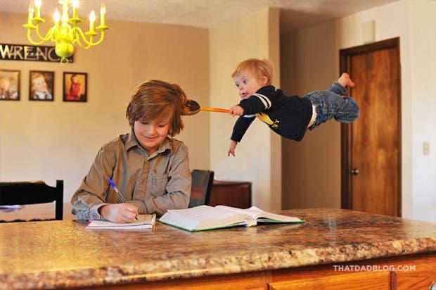 niño-sindrome-down-vuela-fotos-broma