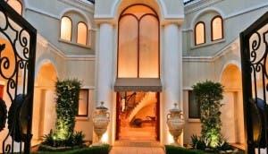 Mansion-
