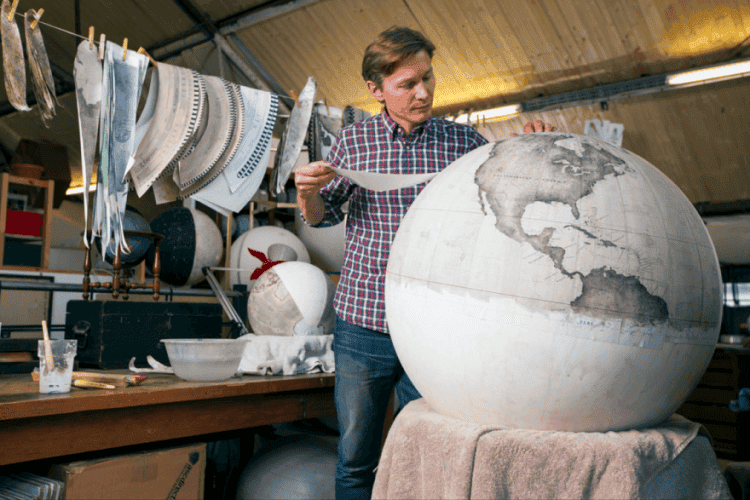 One-of-the-Worlds-Only-Globe-Making-Studios-Celebrates-the-Ancient-Art-of-Handcrafted-Globes1__880