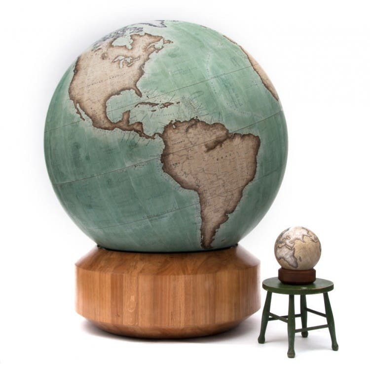 This-Job-Exists-In-the-Studio-With-One-Of-The-Worlds-Last-Remaining-Globe-makers2__880
