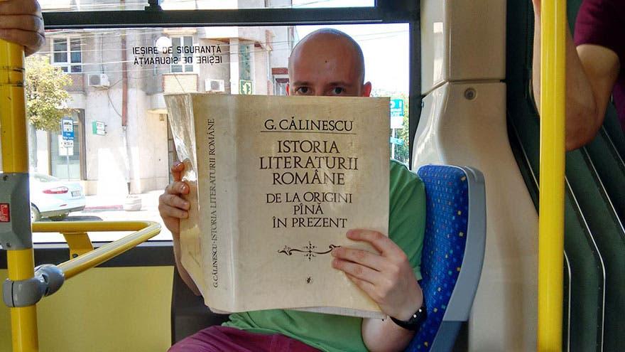 lectura-autobus-rumania-4