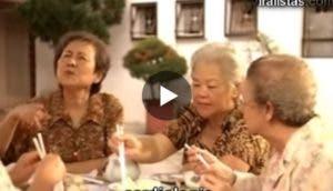 madres-hablando-de-hijos-residencia-de-mayores