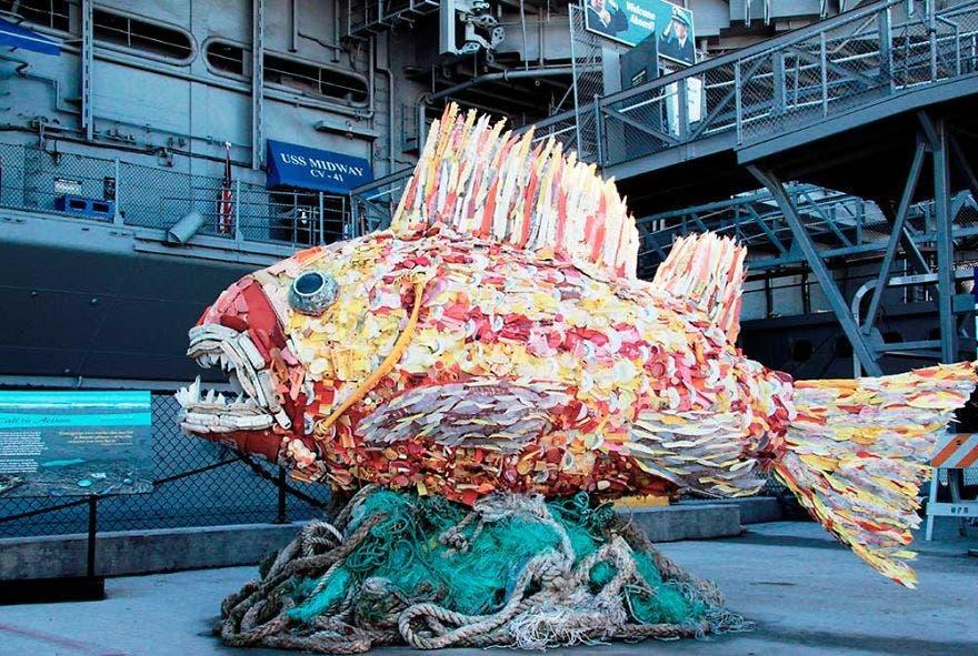 reciclaje-esculturas-plasticos12