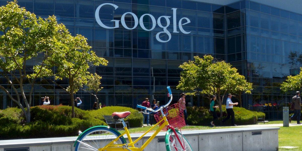 trabajador-google-vive-en-el-estacionamiento3