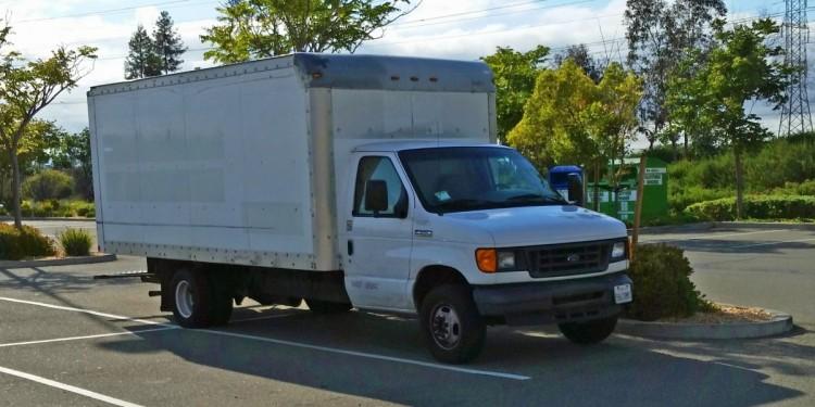 trabajador-google-vive-en-el-estacionamiento5