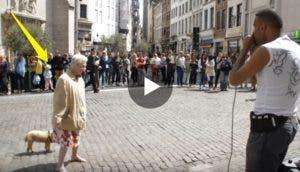 ancianita-show-calle-baile