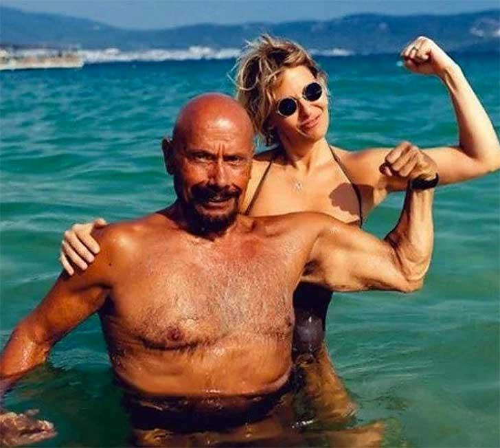instructor-yoga-turco-que-aparenta-la mitad-de-su-edad3