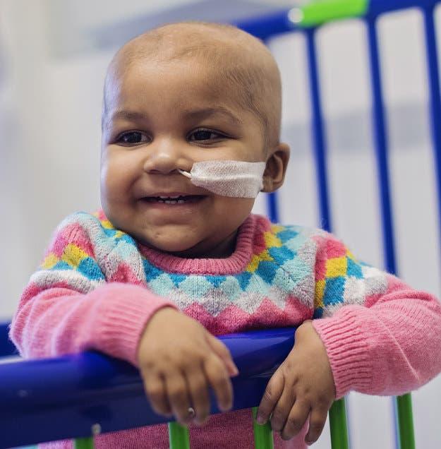 ¡Qué buena noticia! Un tratamiento pionero logra curar la leucemia a una niña pequeña