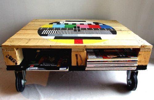 Dale una segunda oportunidad a los palets de madera con geniales ideas ¡Puedes hacer una mesa!