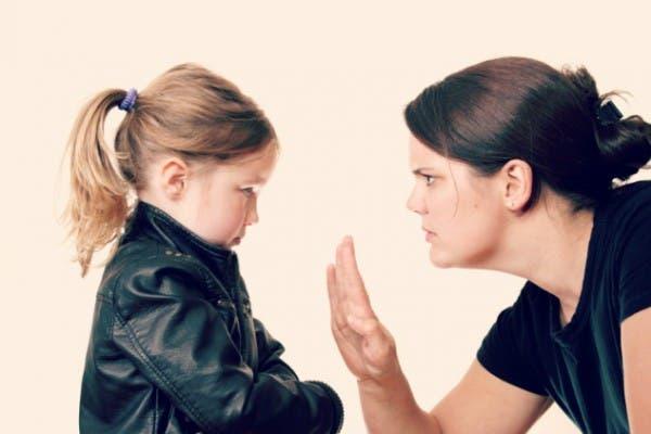 ninos-que-les-responden-a-sus-padres-seran-adultos-exitosos2
