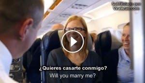 romantica-propuesta-boda-sorpresa-avion-viaje-unico