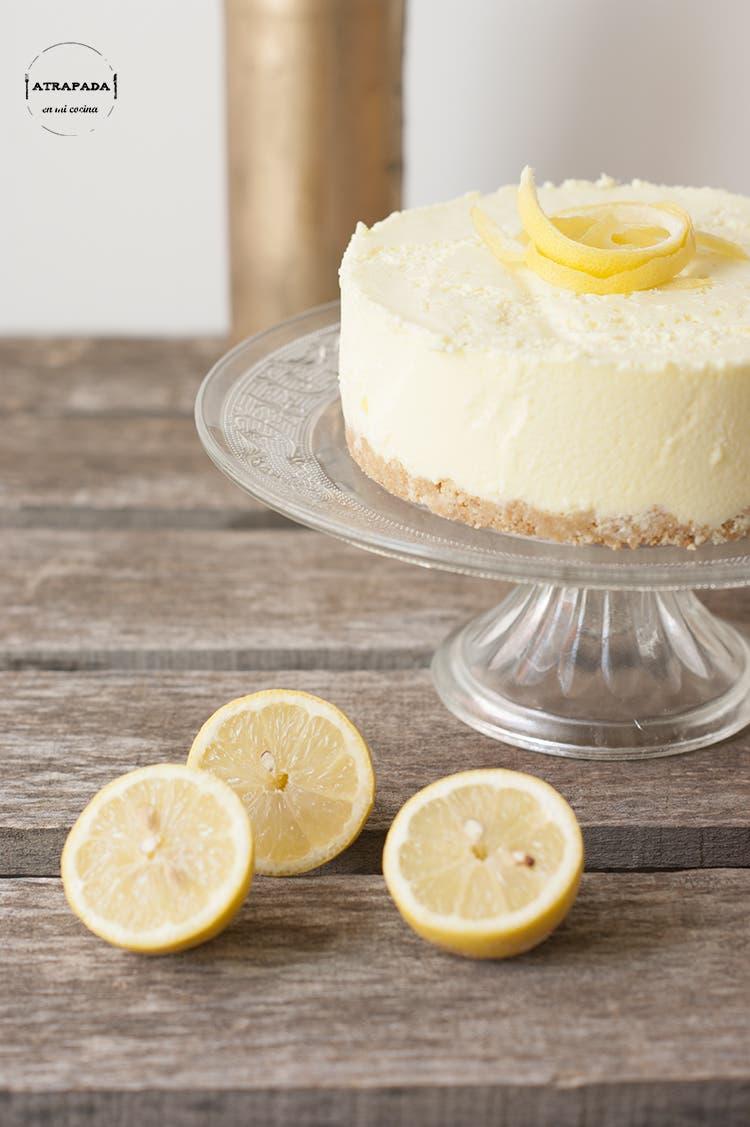 ¿Te gusta la tarta de limón? Si quieres hacerla de forma fácil y sin horno, esta te gustará
