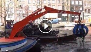 barco-para-pescar-bicicletas-amsterdam
