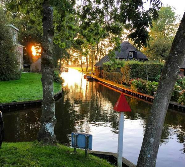 pueblo-holanda-calles-de-agua-5