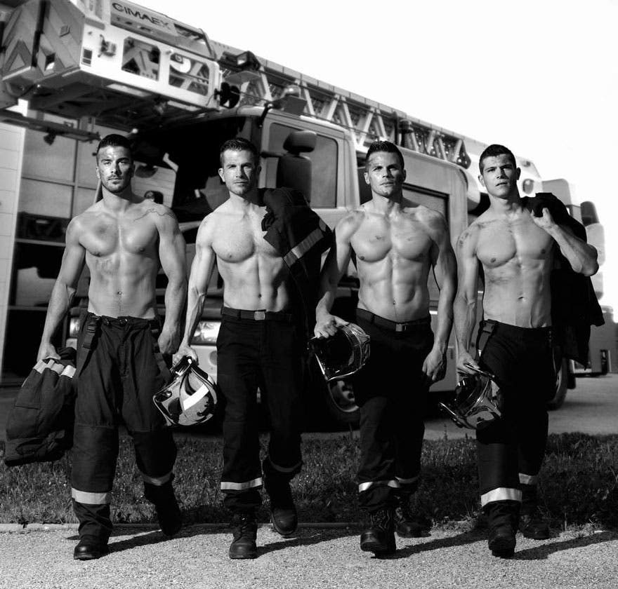 sensuales-bomberos-calendario-6
