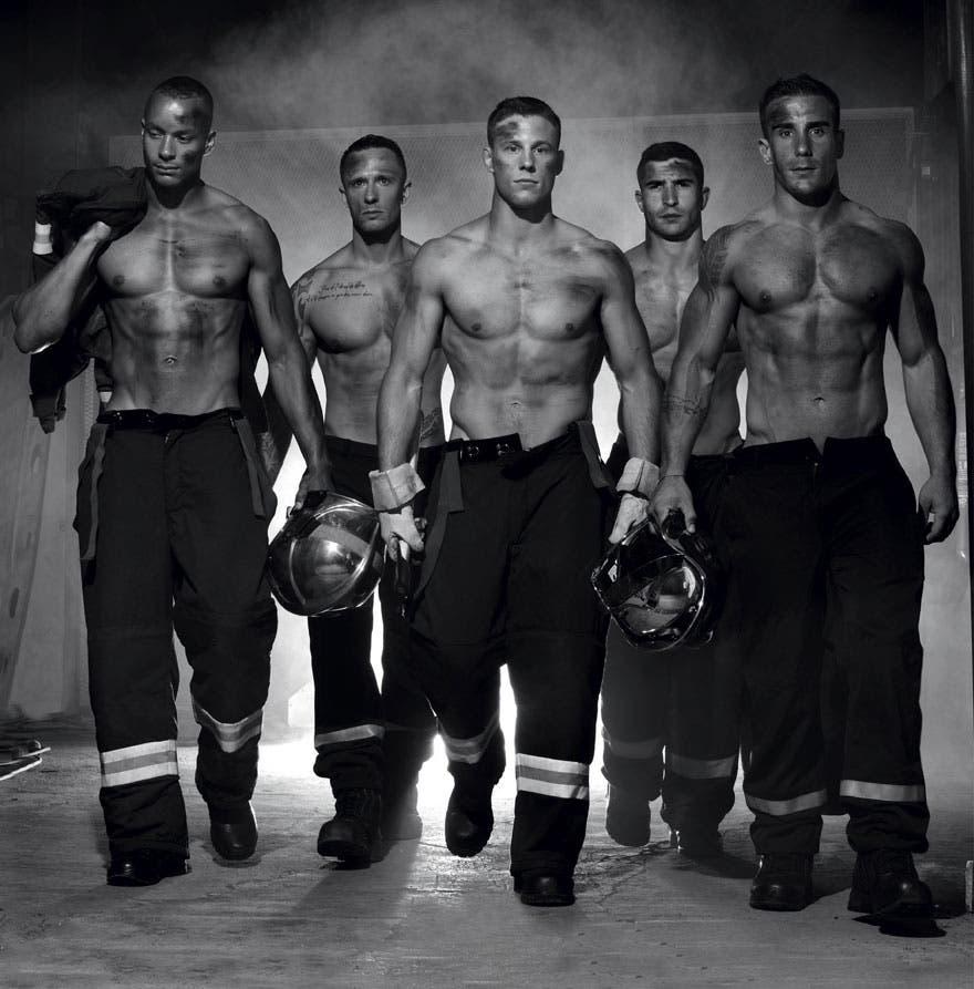 sensuales-bomberos-calendario-7