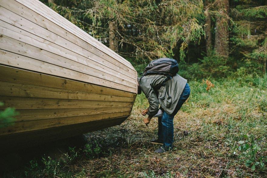 megafonos-gigantes-en-bosque-en-estonia-3