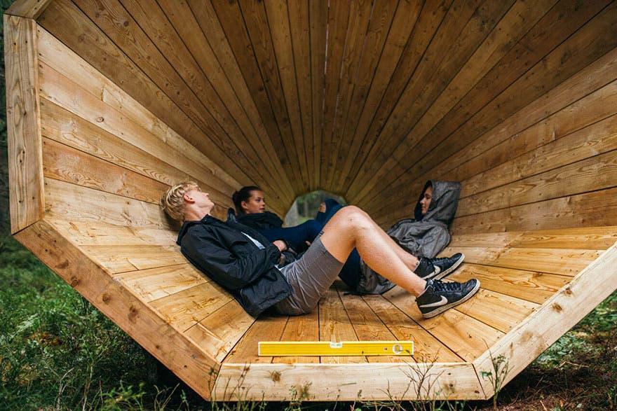megafonos-gigantes-en-bosque-en-estonia-8