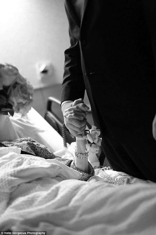 recien-casados-sorprenden-a-su-abuela-antes-de-morir5