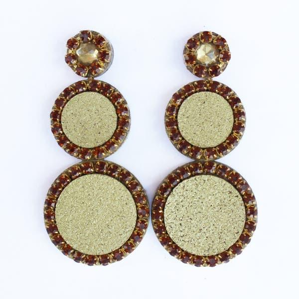 anillos-corcho-joyeria-unica-materiales-innovador-reciclaje-zarcillos colgantes
